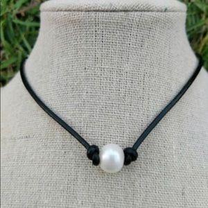 Jewelry - Urban boho freshwater pearl choker necklace